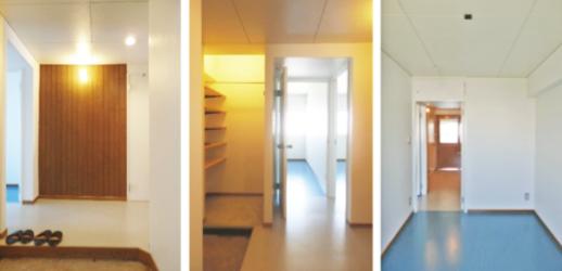 玄関を入ると絵を飾ったりカスタマイズできるピーリング壁(左) *玄関脇のシューズクロークはベビーカーやアウトドア用品置き場にも(真中) シンプルな室内はインテリア次第でお好みの部屋に(右)